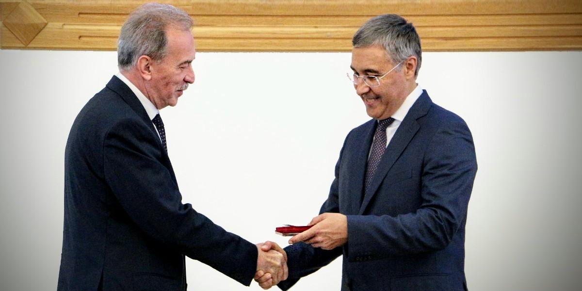 Проректор МАРХИ Г.В. Есаулов награжден Орденом Почета