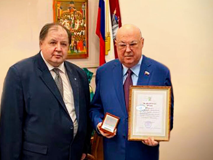 В.И.Ресин награжден медалью РААСН